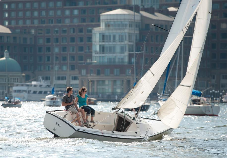 How to Take a Sailing Lesson in Boston