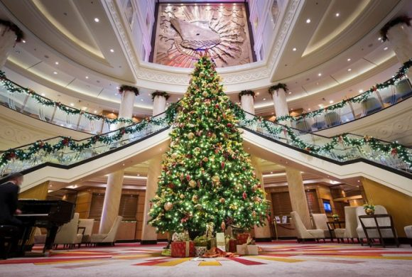 Looking to Travel This Holiday Season? Consider a Cunard Christmas