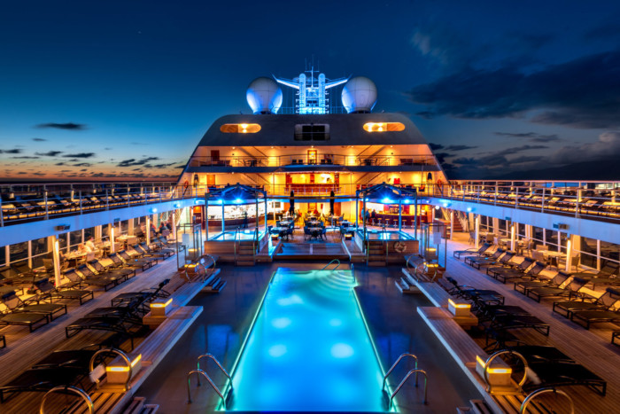 The Best Cruise Lines for Singles